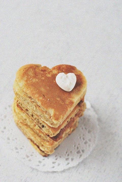 Heart Shaped Pancakes | G. August Photography | Peach Bellini Brunch Wedding Inspiration