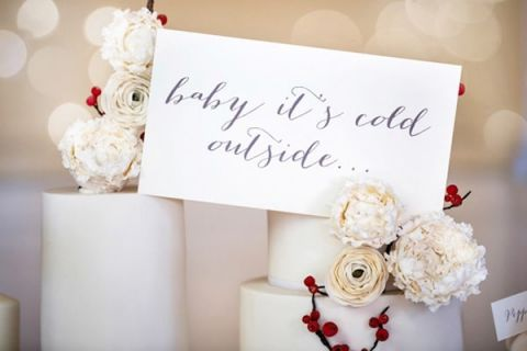 Baby Its Cold Outside Winter Wedding Inspiration | Maru Photography | Let It Snow - Sweet Winter Wedding Shoot