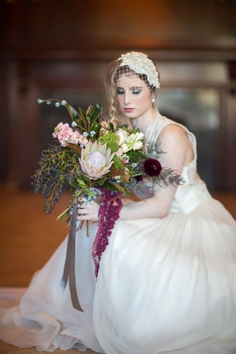 Luxurious Winter Bouquet | Maru PhotographyLet It Snow - Vintage Holiday Wedding