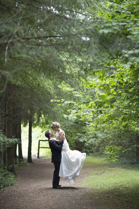 Classic Royal Blue Wedding From Maru Photography Hey