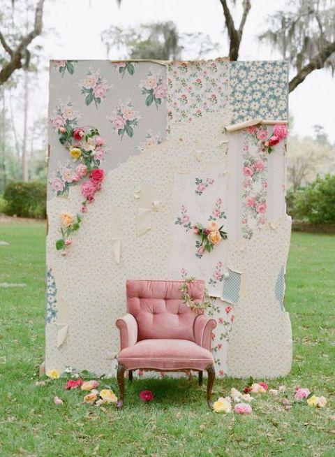 Shabby Chic Wallpaper Photobooth   Elizabeth Messina Photography
