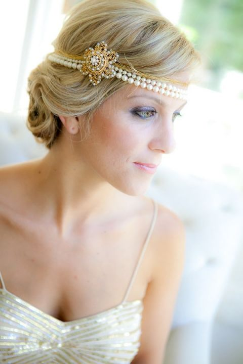 Gold and Glamorous Old Hollywood Bridal Style   Allyson Wiley - See the whole wedding: http://heyweddinglady.com/vintage-hollywood-glam-in-wine-country-from-allyson-wiley/