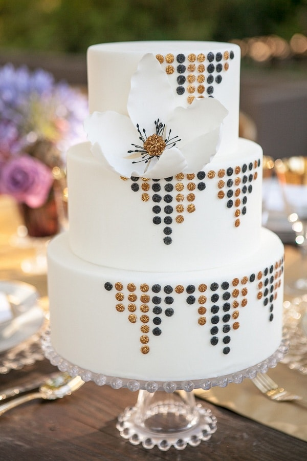 Vintage hollywood glam in wine country from allyson wiley for Art deco cake decoration