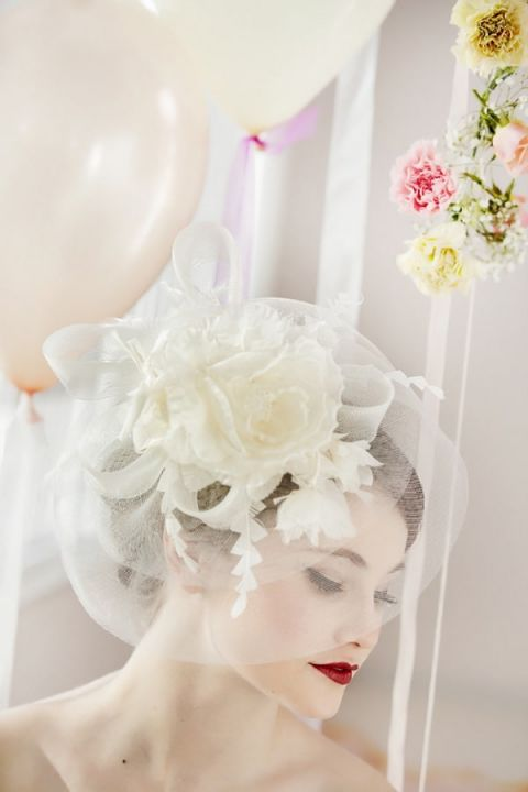 Delicate Blusher Veil and Crimson Lips | Maru Photography | https://heyweddinglady.com/glamorous-red-white-blush-wedding-inspiration-time-valentines-day/