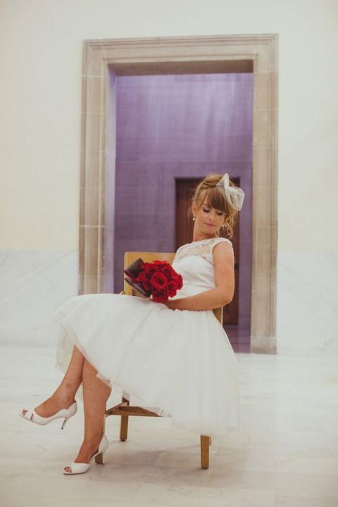 Charming Bride in a Retro Tea Length Wedding Dress | IQphoto Studio | See More! http://heyweddinglady.com/a-chic-san-francisco-city-hall-elopement-from-iqphoto-studio/