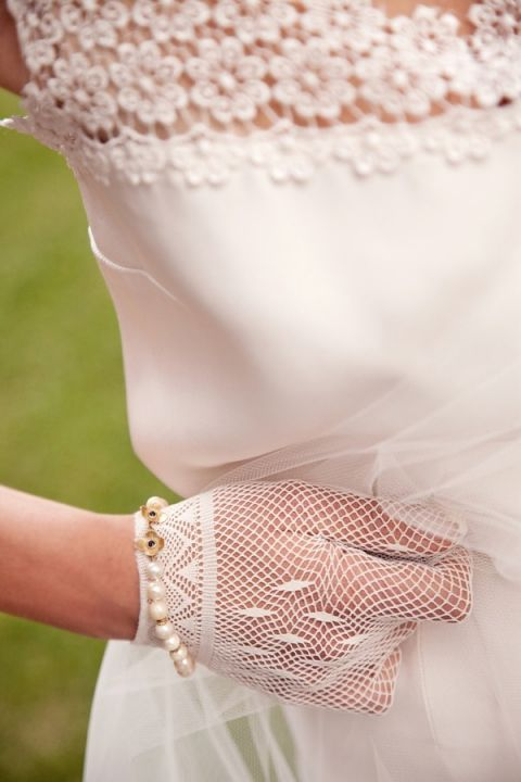 Chic Sixties Italian Bridal Style | Rosapaola Lucibelli Photography | See More! https://heyweddinglady.com/italian-chic-spring-styled-wedding-from-rosapaola-lucibelli/
