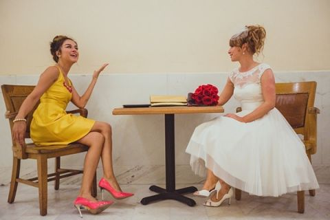Our Maid of Honor rocks a lemon yellow dress and coral shoes! | IQphoto Studio | See More! http://heyweddinglady.com/a-chic-san-francisco-city-hall-elopement-from-iqphoto-studio/