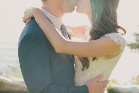 Magic Hour Bridal Portraits | Fondly Forever Photography | See More: http://heyweddinglady.com/liquid-gold-need-magic-hour-portraits-wedding/