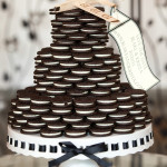 An Oreo Cookie Wedding Cake! | Cariad Photography | See More: https://heyweddinglady.com/spring-green-southern-wedding-with-a-travel-theme/