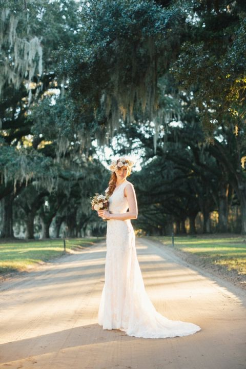 Dreamy Southern Bridal Photos at Boone Hall Plantation | JoPhoto | See More! https://heyweddinglady.com/dreamy-southern-cotton-field-styled-bridal-shoot/
