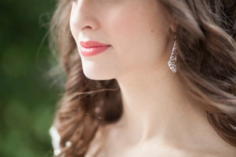 Berry Lips for a Summer Wedding with Silver Filigree Earrings | Craig Hodge Photography | See More! https://heyweddinglady.com/elegant-simplicity-in-royal-purple-from-craig-hodge-photography/