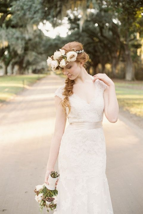 A Romantic Ivory Lace Wedding Dress for a Southern Wedding | JoPhoto | See More! https://heyweddinglady.com/dreamy-southern-cotton-field-styled-bridal-shoot/