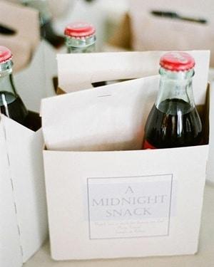 A Midnight Snack to Go | Joey + Jessica via The Bridal Detective