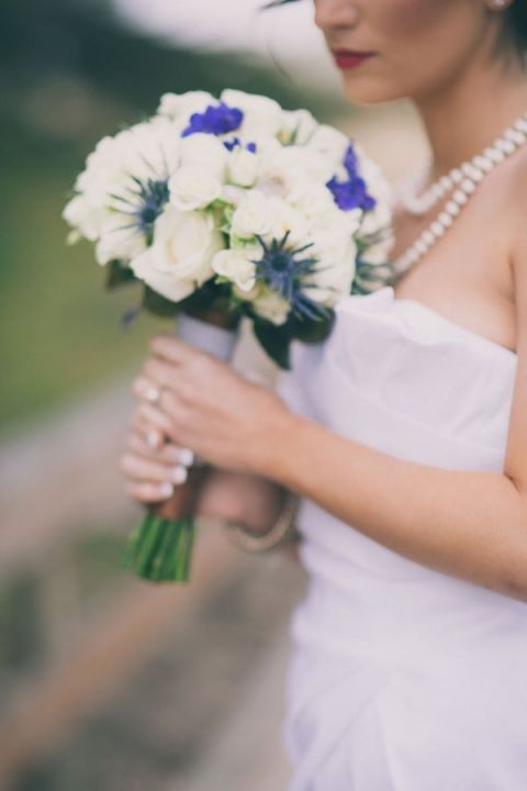 White and Navy Bridal Bouquet | Alexandra Wallace Photography | See More! http://heyweddinglady.com/casual-chic-nautical-beach-styled-shoot-from-alexandra-wallace-photography/