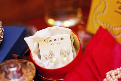 Glam Kate Spade Wedding Earrings | May Gunsul Photography | See More! http://heyweddinglady.com/fairy-tale-wedding-in-a-snowy-mountain-lodge-from-may-gunsul-photography/