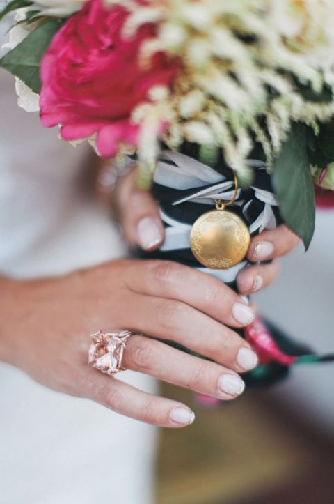 A Locket Bouquet Charm | Max Wanger Photography | https://heyweddinglady.com/memory-honoring-lost-loved-one-wedding-day/