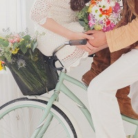 Peace and Love – The Sweetest 60's Styled Shoot Ever!
