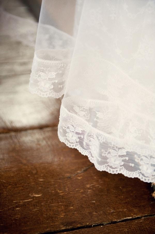 Vintage Irish Lace Wedding Veil   Weddings by Kara   See More! http://heyweddinglady.com/jazz-age-spring-wedding-in-ireland-by-weddings-by-kara/