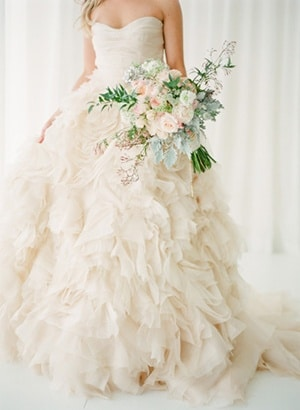 Vintage Ruffle Wedding Dress 12 Stunning Ivory Ruffled Monique Lhuillier