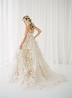 Ivory Ruffled Monique Lhuillier Wedding Dress | KT Merry Photography | Style Me Pretty - http://www.stylemepretty.com/2014/05/28/romantic-glamour-in-miami/