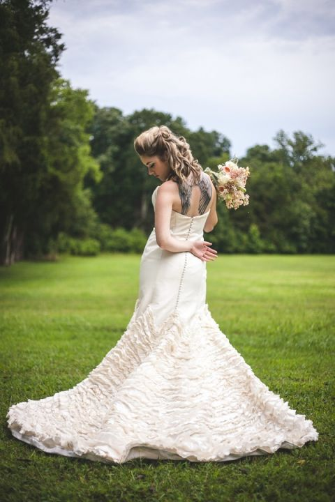 Glam Punk Princess Bride Wedding Style   Maddie K. Doucet Photography   See More! https://heyweddinglady.com/punk-princess-bride-wedding-styled-shoot-from-maddie-k-doucet-photography/