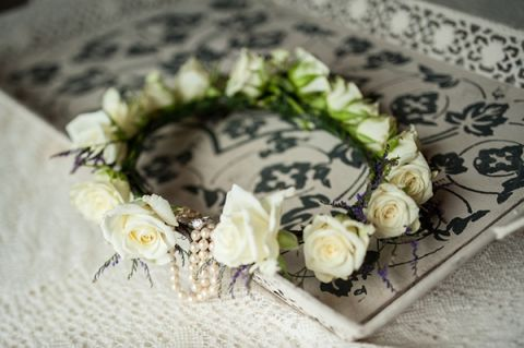 Flower Crown of White Roses for a Nature Inspired Wedding | Dawn Huemann Photography | See more! https://heyweddinglady.com/sweet-and-stylish-mountaintop-wedding-by-dawn-heumann-photography/