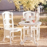 Vintage Shabby Chic Sweetheart Table | Dina Remi Studios | See More! http://heyweddinglady.com/peach-and-blush-vintage-shabby-chic-wedding-inspiration-from-dina-remi-studios/