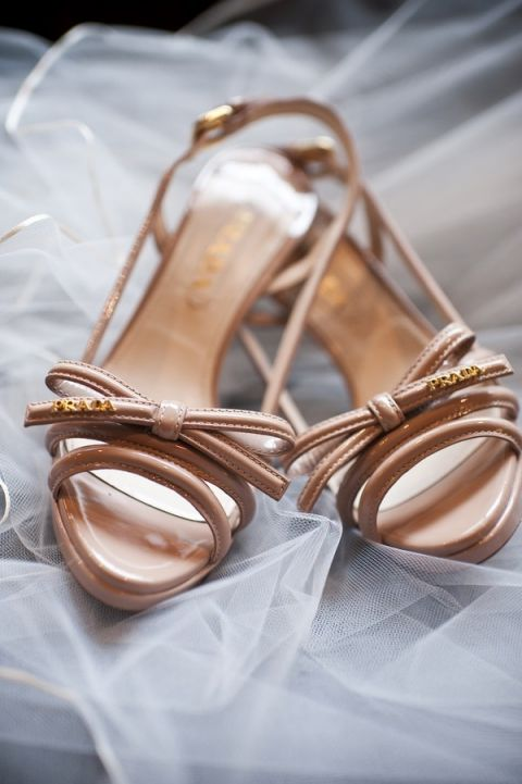 Prada Bow Wedding Shoes | BRC Photography | See More! https://heyweddinglady.com/impossibly-chic-modern-art-inspired-wedding/