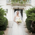 Classic Bridal Style with a Monique Lhuillier Wedding Dress and a Cathedral Veil | BRC Photography | See More! http://heyweddinglady.com/impossibly-chic-modern-art-inspired-wedding/