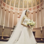 A Radiant Classic Bride Under the Gold Cathedral Dome | BRC Photography | See More! https://heyweddinglady.com/impossibly-chic-modern-art-inspired-wedding/