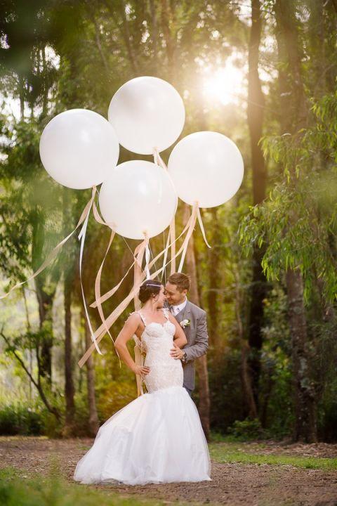Midsummer Nights Dream Wedding in a Secret Garden | Hilary Cam Photography | See More! http://heyweddinglady.com/midsummer-nights-dream-wedding-in-a-secret-garden/