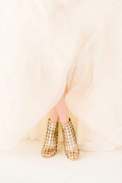 Glam Gold Cage Wedding Shoes by Via Spiga | Rustic White Photography | See More! https://heyweddinglady.com/glamorous-geometric-wedding-inspiration-in-fuchsia-blush-and-gold/