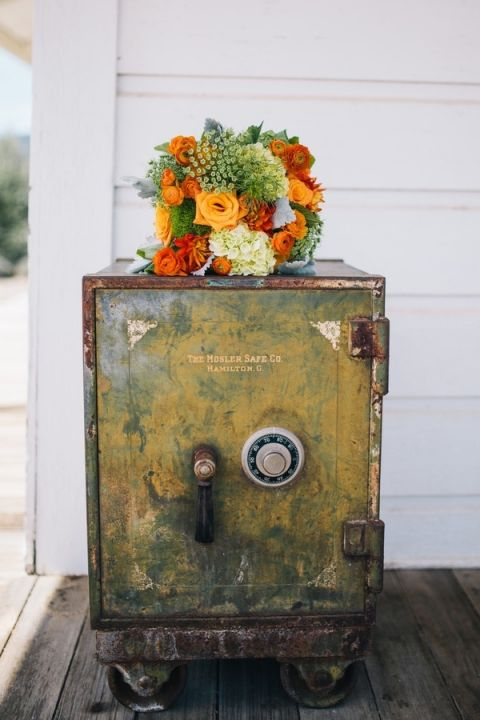 Rustic Ranch Wedding in Autumn Harvest Hues | Lisa Mallory Photography | See More! https://heyweddinglady.com/autumn-harvest-wedding-at-santa-margarita-ranch/