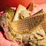 Glam and Glittering Gold Clutches for the Bridesmaids! | PhotoHouse Films | See More! http://heyweddinglady.com/sweetly-opulent-black-tie-texas-wedding/