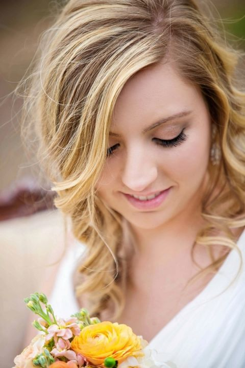 Loose Sun Kissed Curls and Natural Bridal Makeup | Amy Allen Photography | See More! http://heyweddinglady.com/french-country-chic-wedding-style/