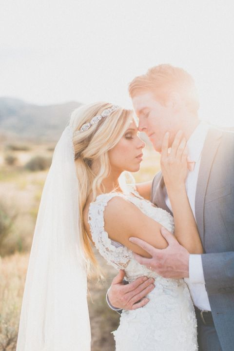 Breathtaking Magic Hour Bridal Portraits in the Desert | As Ever Photography | Dreamy Desert Sunshine Wedding Inspiration