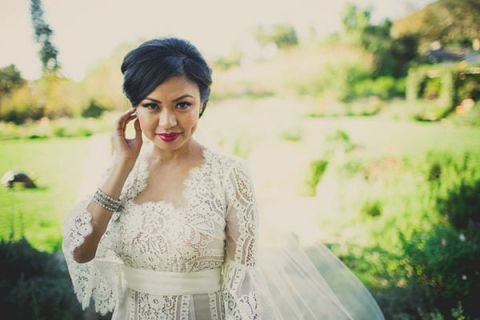 Fabulous Vintage Inspired Lace Wedding Dress With Glam Bridal Makeup