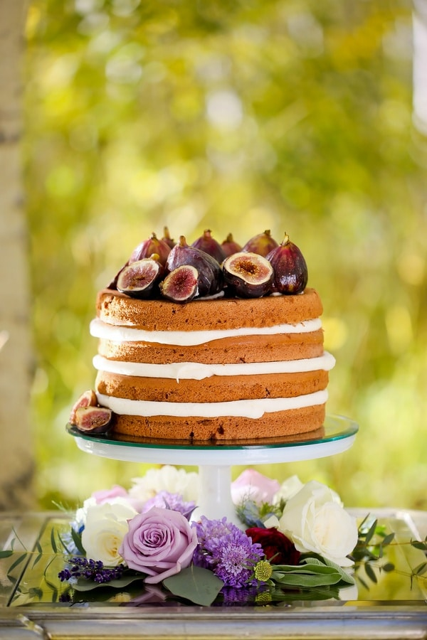 Fig Topped Naked Wedding Cake | Modern Glam Autumn Wedding in Fig and Gold | Pepper Nix Photography and Michelle Leo Events