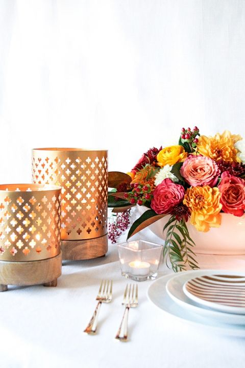 Chic Modern Table Decor | Styling Modern Metallics with a Classic Autumn Palette for Chic Table Decor | Hey Wedding Lady