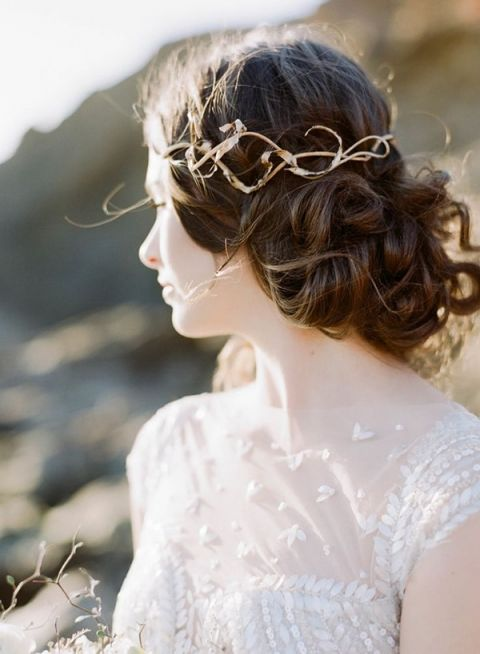 Gold Vine Bridal Headpiece | Sylvie Gil Photography | Wild Hunt Wedding Inspiration in Berry and Brown