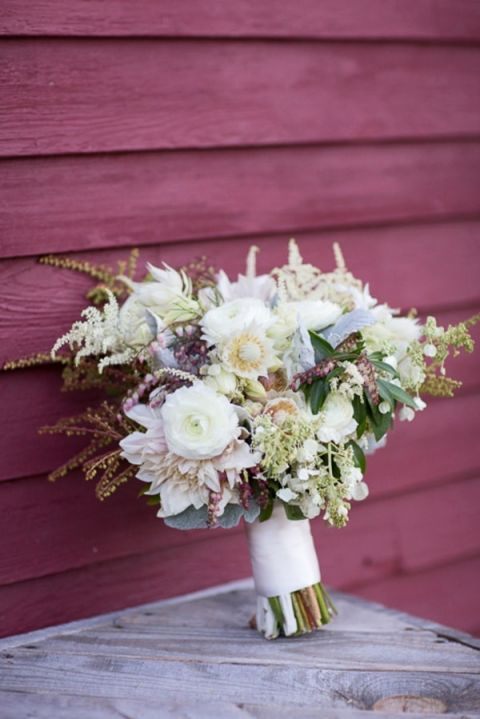 White and Ivory Summer Wildflower Bouquet | J. Harper Photography | Elegant Farm Wedding in Pastels and Gold Glitter