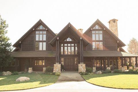 Classical Ranch House Wedding Venue