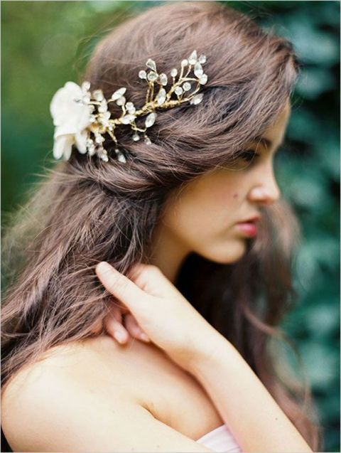 Gold and Crystal Bridal Headpiece | Erich McVey Photography | https://heyweddinglady.com/christmas-tree-farm-wedding-inspiration/
