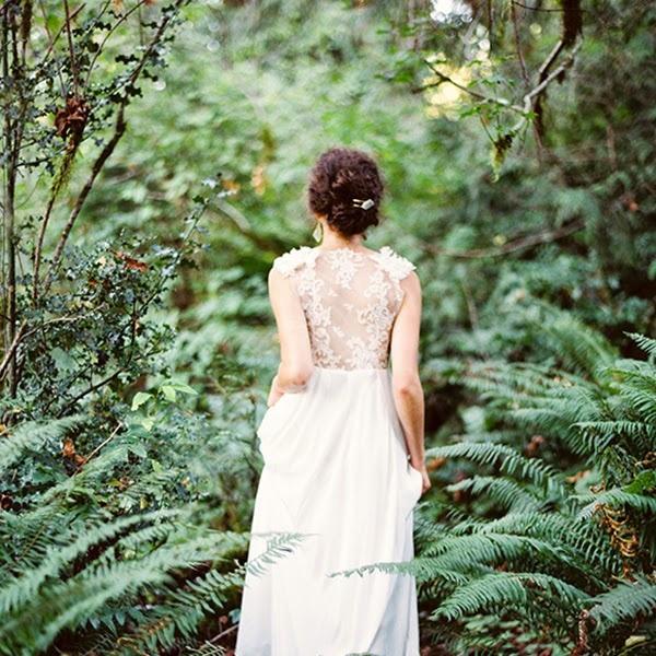 10 Times Rain Made A Wedding Even More Special: A Rain Washed Garden Wedding To Kick Off Spring