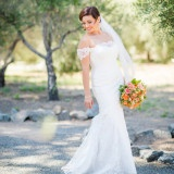 Colorful and Classic Vineyard Wedding in Northern California | Julie Nicole Photography