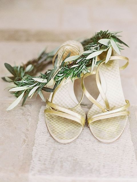 Gold Wedding Shoes | Michele Beckwith Photography | Fresh Green and Neutral Spring Wedding Ideas with a Hint of Gold and Wrapping Vines