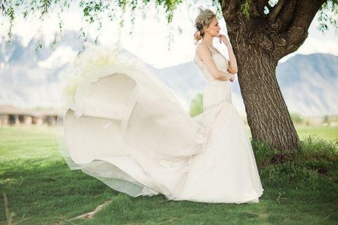 White Wedding Dress With Red Roses 60 Spectacular Breathtaking Wedding Dress Shot