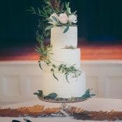 Woodland Inspired Wedding Cake with Cascading Vines | Mintwood Photo Co. | Elegant DIY Wedding in an Autumn Garden
