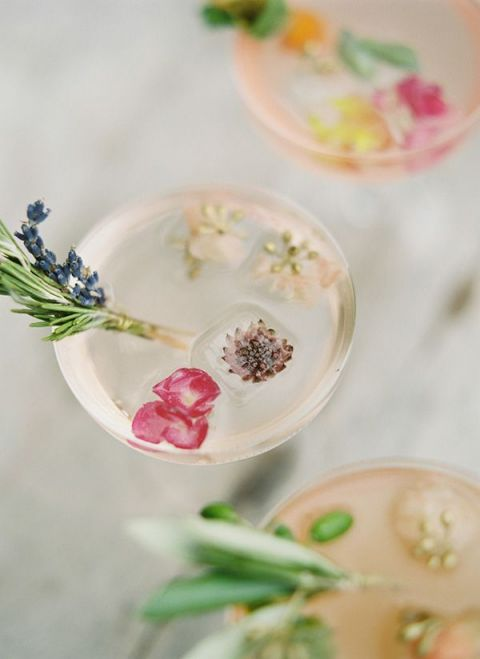 Spring Blossom Cocktails | Peaches and Mint Photography | Specialty Cocktails and Wedding Bar Ideas