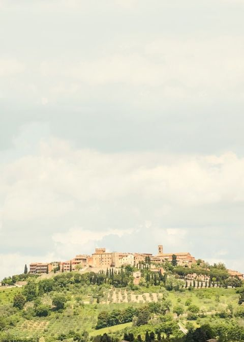 Hilltop Village in Italy | Mike Larson Photography | A Romantic Tuscan Bridal Shoot